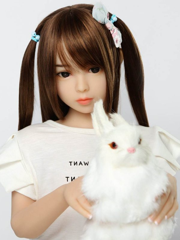 Hye Kyo – 4′ little sex doll from South Korea