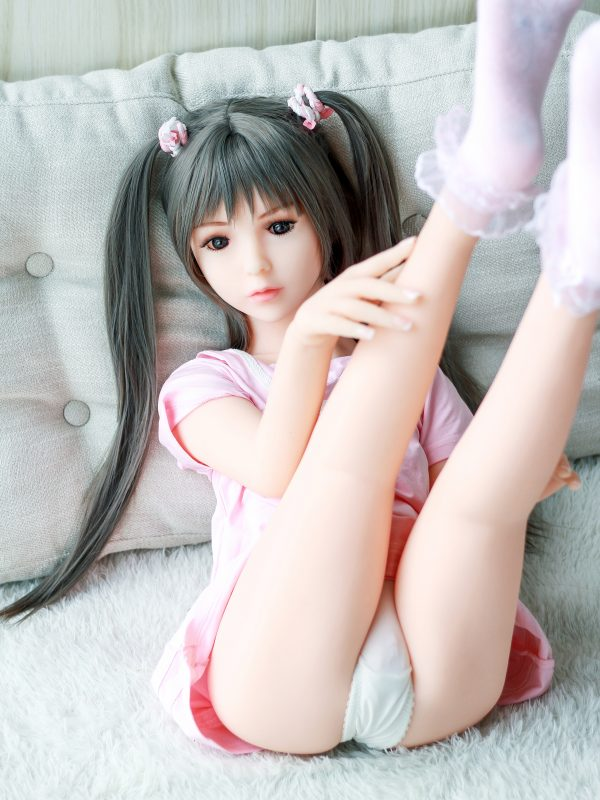 Patti – 3'7″ 108 cm flat chest sex doll
