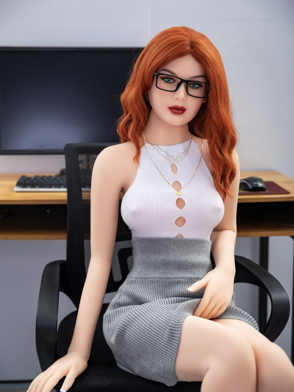 Lucy – 5'2″ 157 cm perfect ass sex doll