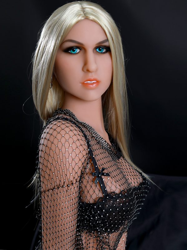 Silvia- 5'5″ 166 cm dressed sex doll
